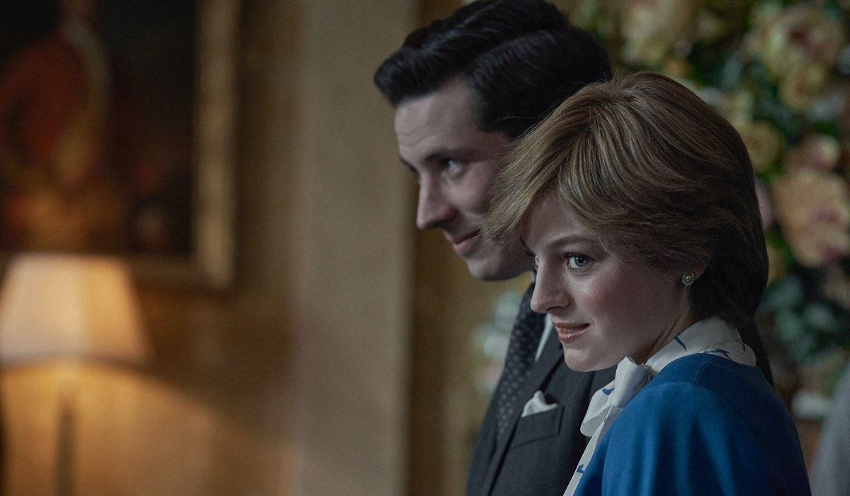 The Crown 4, una scena del fidanzamento di Lady Diana e il Principe Carlo, interpretati da Josh O'Connor e Emma Corrin Credits Netflix