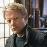 marc warren in una scena di van der valk serie tv credits company pictures e all3media international