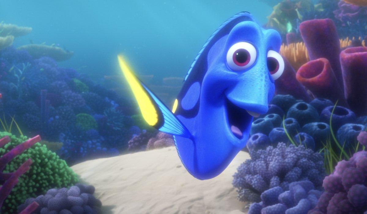 Una scena di Dory e la sua fotografia subacquea Credits Disney+
