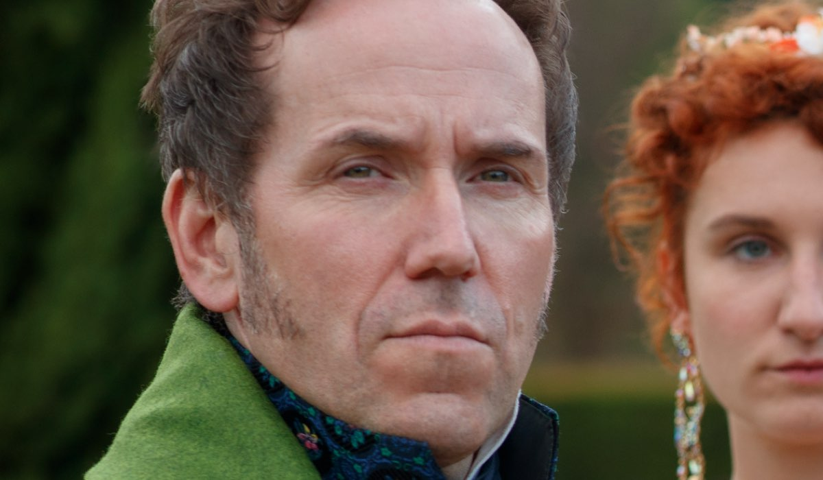 Ben Miller Interpreta Lord Featherington In Bridgerton, Credits Liam Daniel/Netflix