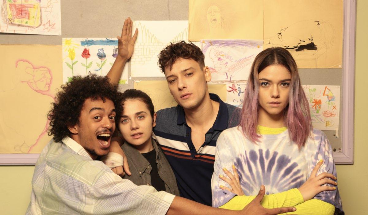 Da sinistra: Cosimo Longo (Daniel), Greta Esposito (Nico), Romano Reggiani (Michele) e Federica Pagliaroli (Emma) in Mental serie tv. Credits: Rai Fiction/Standbyme.