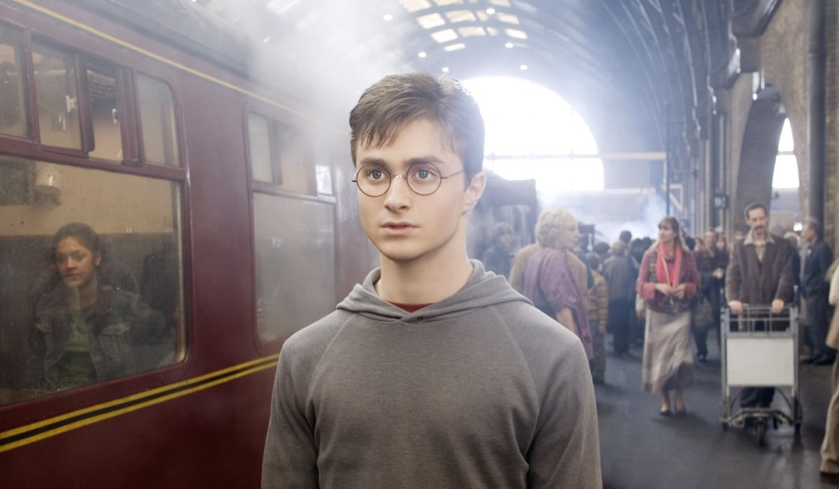 daniel radcliffe in harry potter e l ordine della fenice credits warner bros