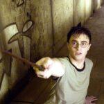 daniel radcliffe in una scena di harry potter e l ordine della fenice credits warner bros