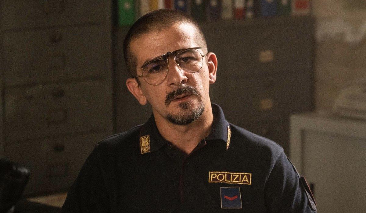 Francesco Mandelli Interpreta Benny In Cops Una Banda Di Poliziotti Credits Gianni Fiorito/Sky