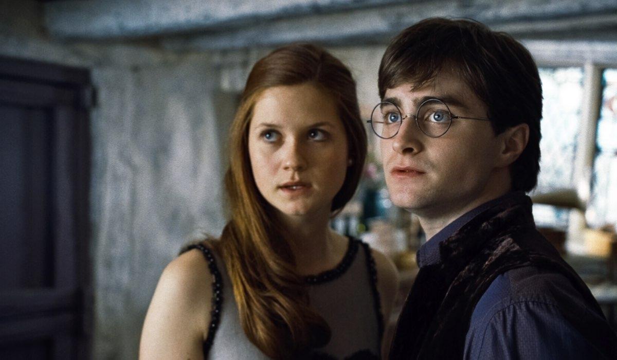 Harry Potter E I Doni Della Morte Parte 1 Bonnie Wright Interpreta Ginny Weasley E Daniel Radcliffe Intepreta Harry Potter Credits Warner E Mediaset