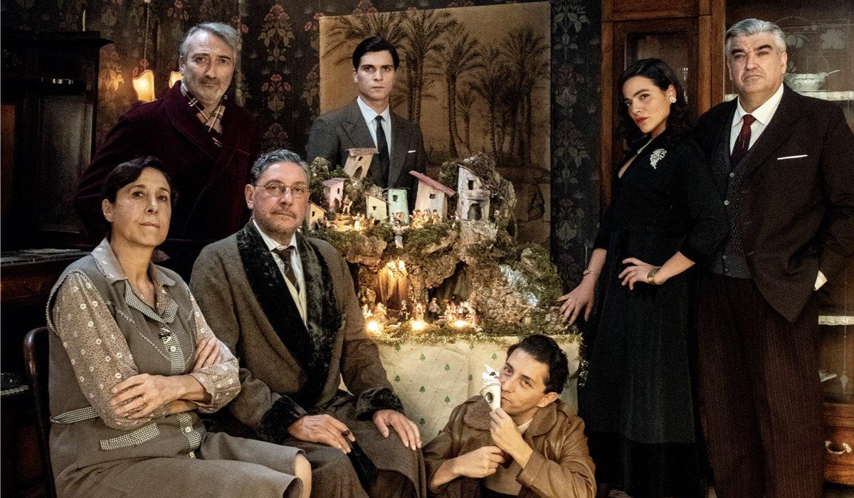 Il cast di Natale in casa Cupiello con Sergio Castellitto e Adriano Pantaleo Credits Gianni Fiorito e Rai