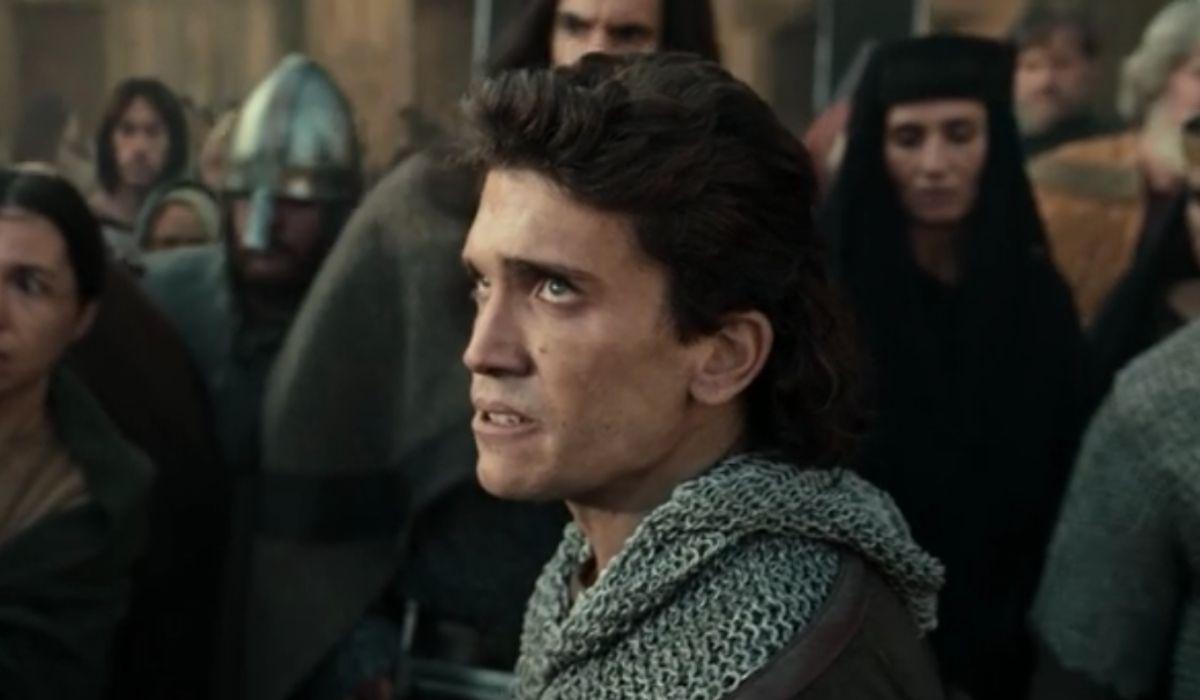 Ruy (Jaime Lorente) in una scena di El Cid episodio 5. Credits: Amazon Prime Video.