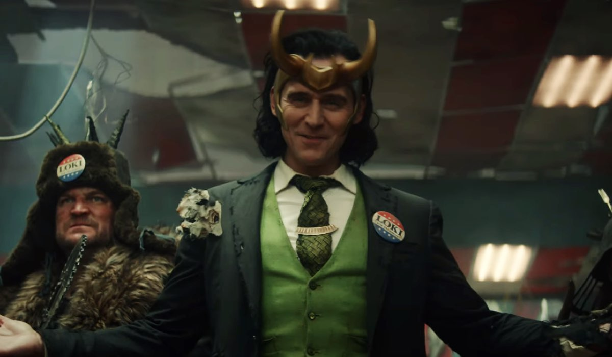Tom Hiddleston nei panni di Loki in una scena della serie. Credits: Marvel Studios/Disney.