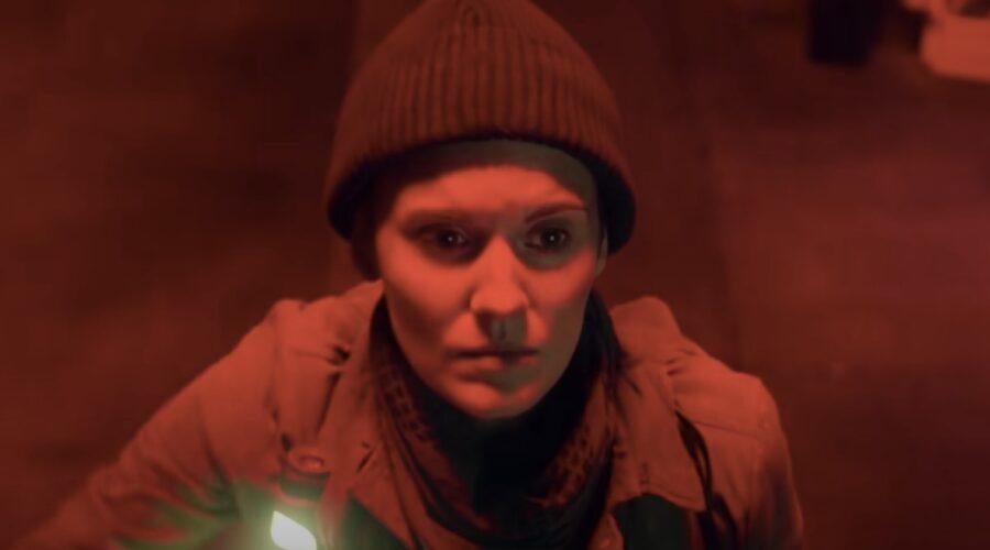 Maggie Grace in Fear The Walking Dead in un fotogramma del trailer. Credits: AMC/Skybound/YouTube.