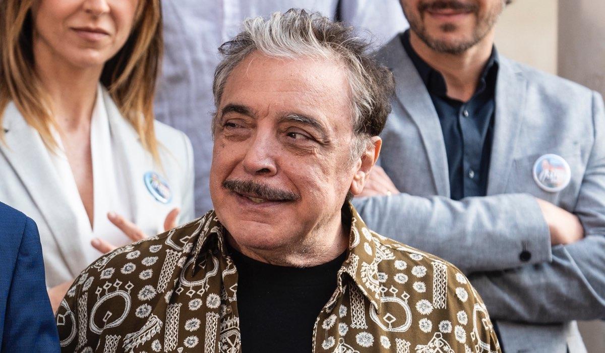 Nino Frassica Interpreta Nino In Fratelli Caputo Credits Mediaset