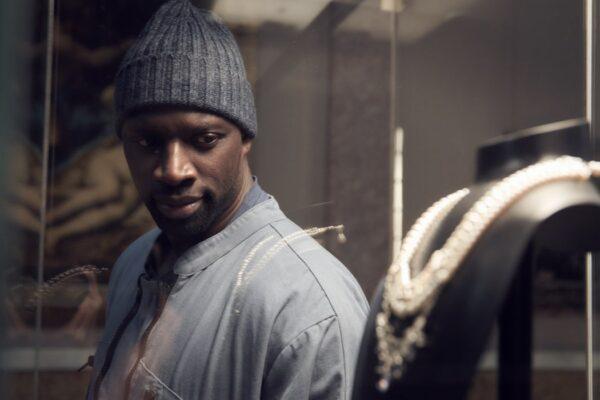 Omar Sy veste i panni di Assane Diop in Lupin. Credits: Emmanuel Guimier/Netflix.