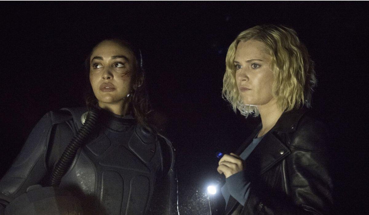 Raven e Clarke in una scena di The 100 7. Credits: Mediaset