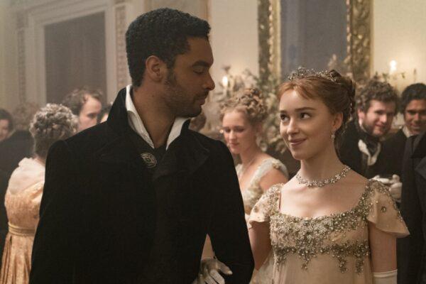 Da sinistra: Regé Jean-Page (Simon Basset) e Phoebe Dynevor (Daphne) in Bridgerton. Credits: Liam Daniel/Netflix.