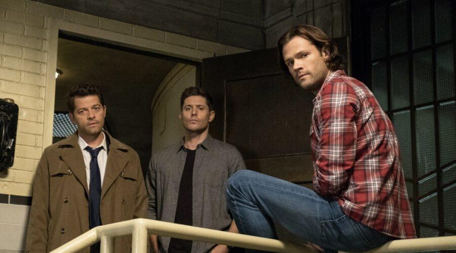 Supernatural 14: Misha Collins (Castiel), Jensen Ackles (Dean), Jared Padalecki (Sam). Credits: Rai 4/Warner Television.
