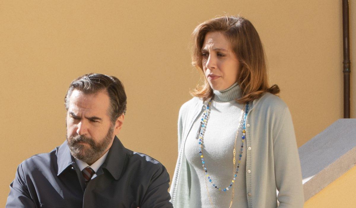 una foto di scena con barbara chichiarelli che interpreta silvia visentin ne il silenzio dell acqua 2 stagione credits mediaset