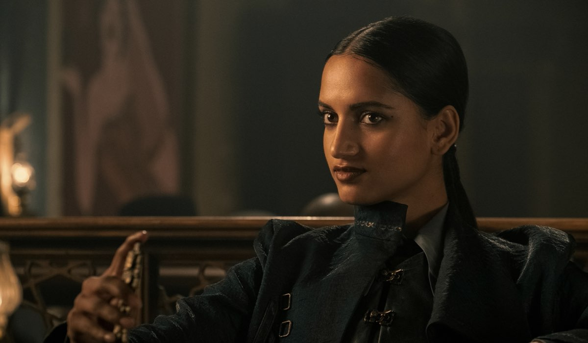 Amita Suman nei panni di Inej. Credits: David Appleby/Netflix.