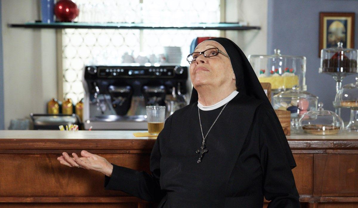 Che Dio Ci Aiuti 6 Stagione Qui Suor Costanza Interpretata Da Valeria Fabrizi Credits Lucia Iuorio E Rai