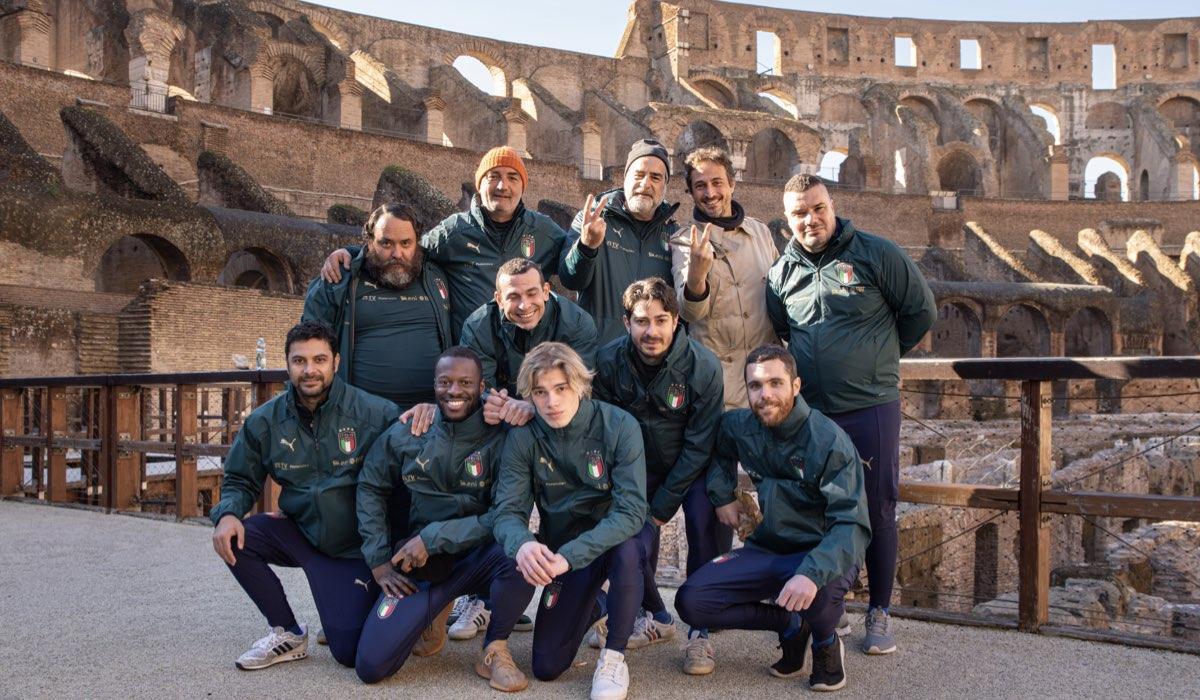 Crazy For Football - Matti Per Il Calcio Gruppo Con Il Regista Credits Rai E Mad Entertainment