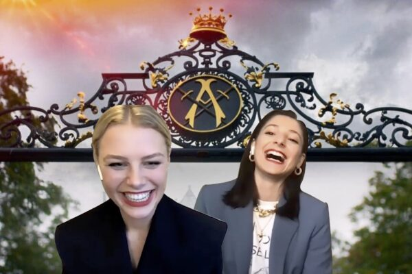 Hannah van der Westhuysen ed Elisha Applebaum. Credits: Netflix/Tvserial.it