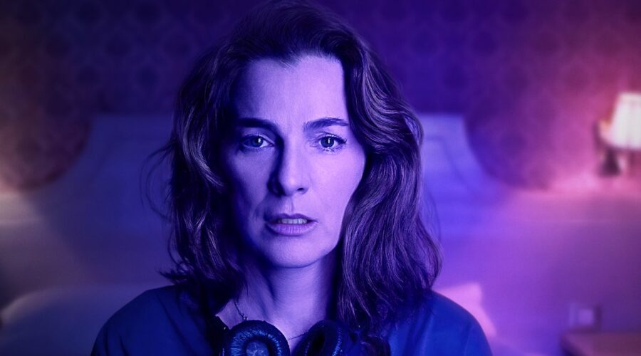 Ayelet Zurer nel poster di Losing Alice. Credits: Apple.