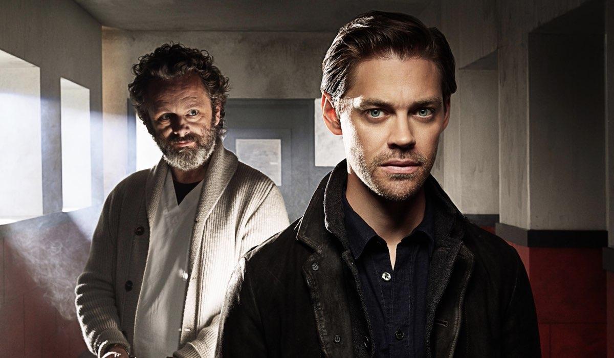 Da sinistra: Martin Sheen e Tom Payne sono Martin e Malcolm Whitly nel poster di Prodigal Son. Credits: Warner Bros. TV via Mediaset.