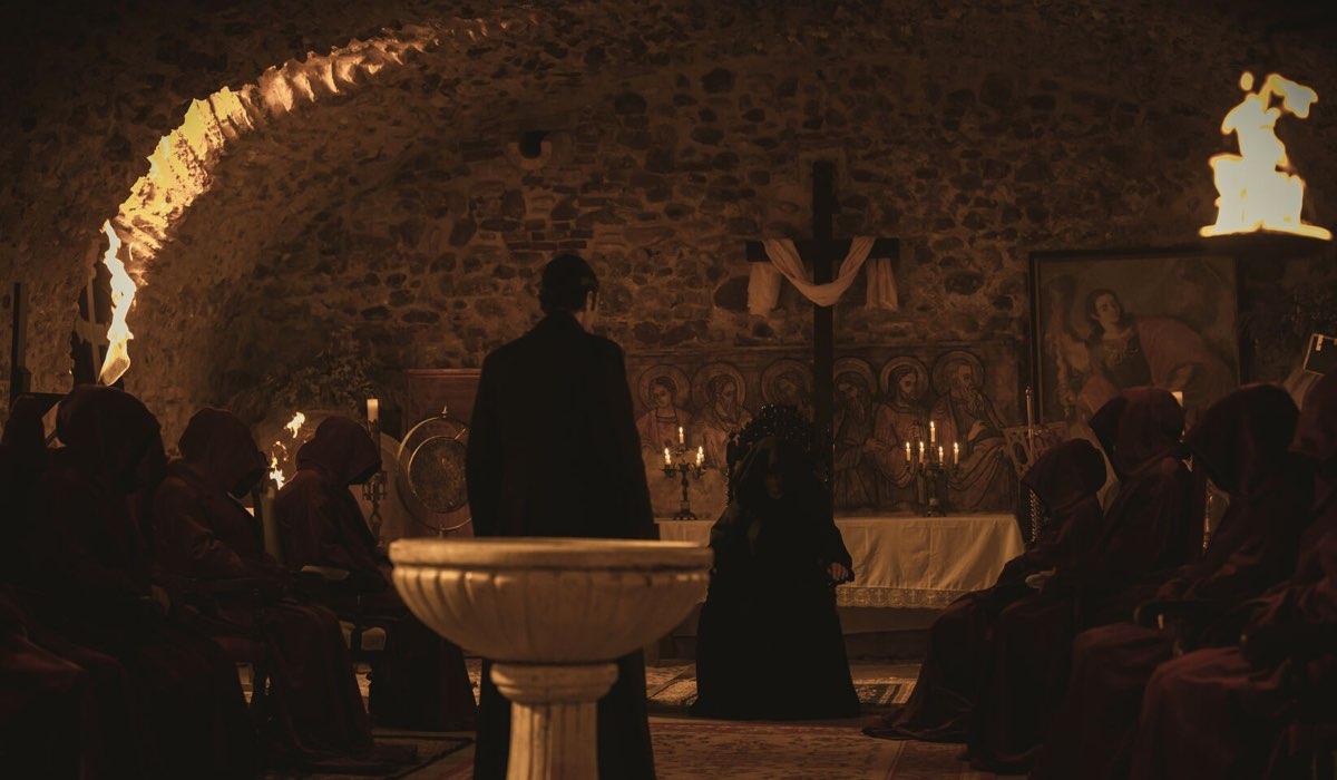 Una Scena De Il Segreto con La Setta Degli Arcangeli. Credits: Mediaset