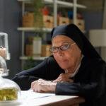 Valeria Fabrizi interpreta Suor Costanza In Che Dio Ci Aiuti 6. Credits: Lucia Iuorio e Rai