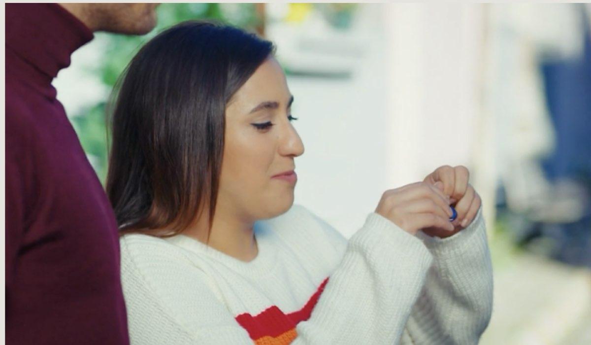 Ayhan Consegna L'Occhio Di Nazar Ad Osman In Daydreamer Episodio 111. Credits: Mediaset