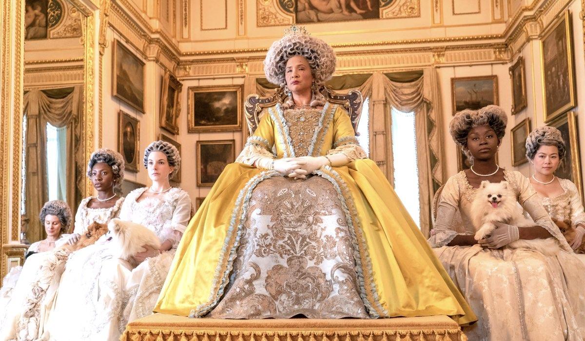 bridgerton crossover the crown regina charlotte