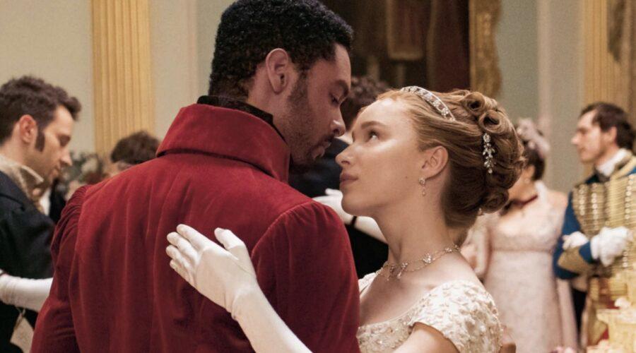 Phoebe Dynevor e Regé-Jean Page nei panni di Simon e Daphne in Bridgerton. Credits: Liam Daniel/Netflix.