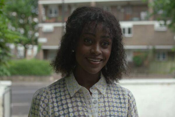 Simona Brown nei panni di Louise in Dietro I Suoi Occhi. Credits: Netflix.
