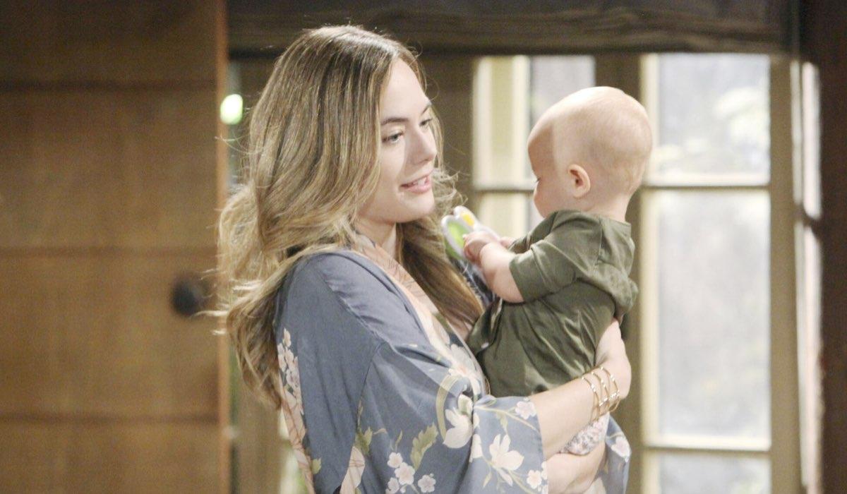 Hope Logan e Sua Figlia In Beautiful Credits: BBL Distribution/Mediaset