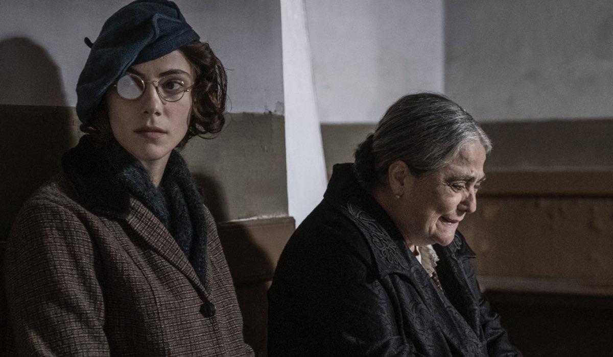 Il Commissario Ricciardi Qui Una Scena Nella Quarta Puntata Con Maria Vera Ratti Che Interpreta Enrica Credits Anna Camerlingo E Rai