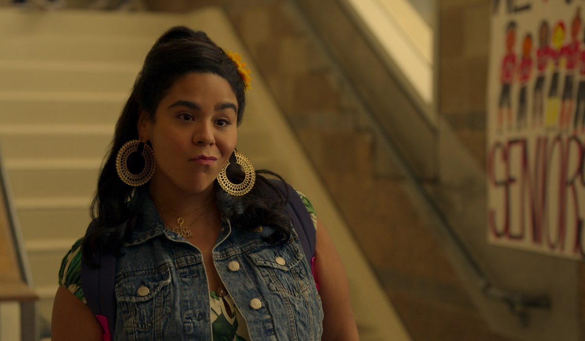 Jessica Marie Garcia Interpreta Jasmine In