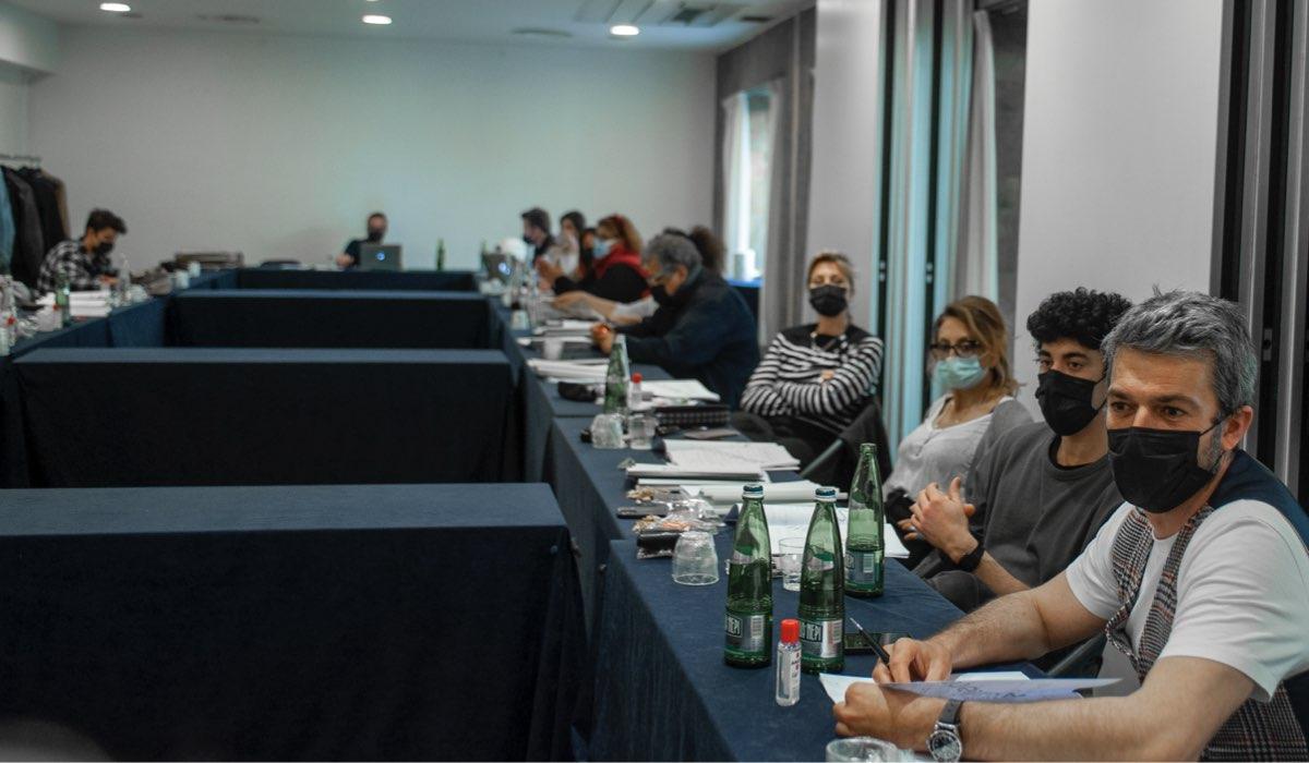 Da sinistra: Luca Argentero e Eduardo Scarpetta durante la table read. Credits: Romolo Eucalitto/Star.