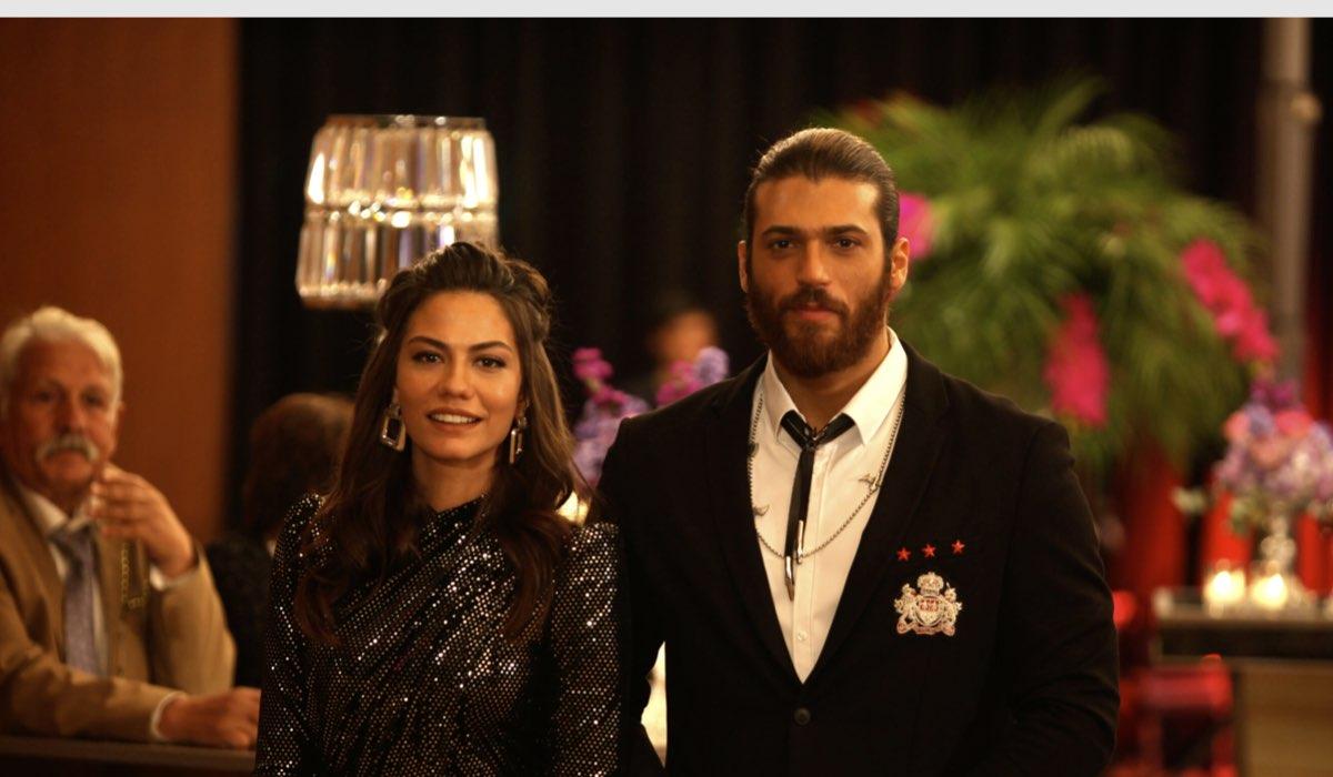 Sanem e Can al matrimonio dei fratelli In Daydreamer. Credits: Global Telif Haklari Yapimcilik Tic. A.S/Mediaset