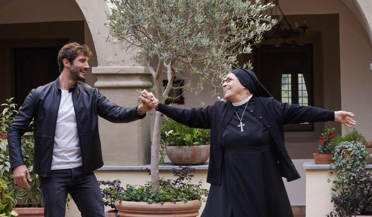 Stefano De Martino E Valeria Fabrizi In Una Scena Di Che Dio Ci Aiuti 6 Stagione Credits Lucia Iuorio E Rai