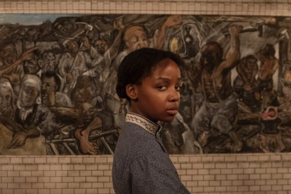 Thuso Mbedu nei panni di Cora in The Underground Railroad. Credits: Prime Video.
