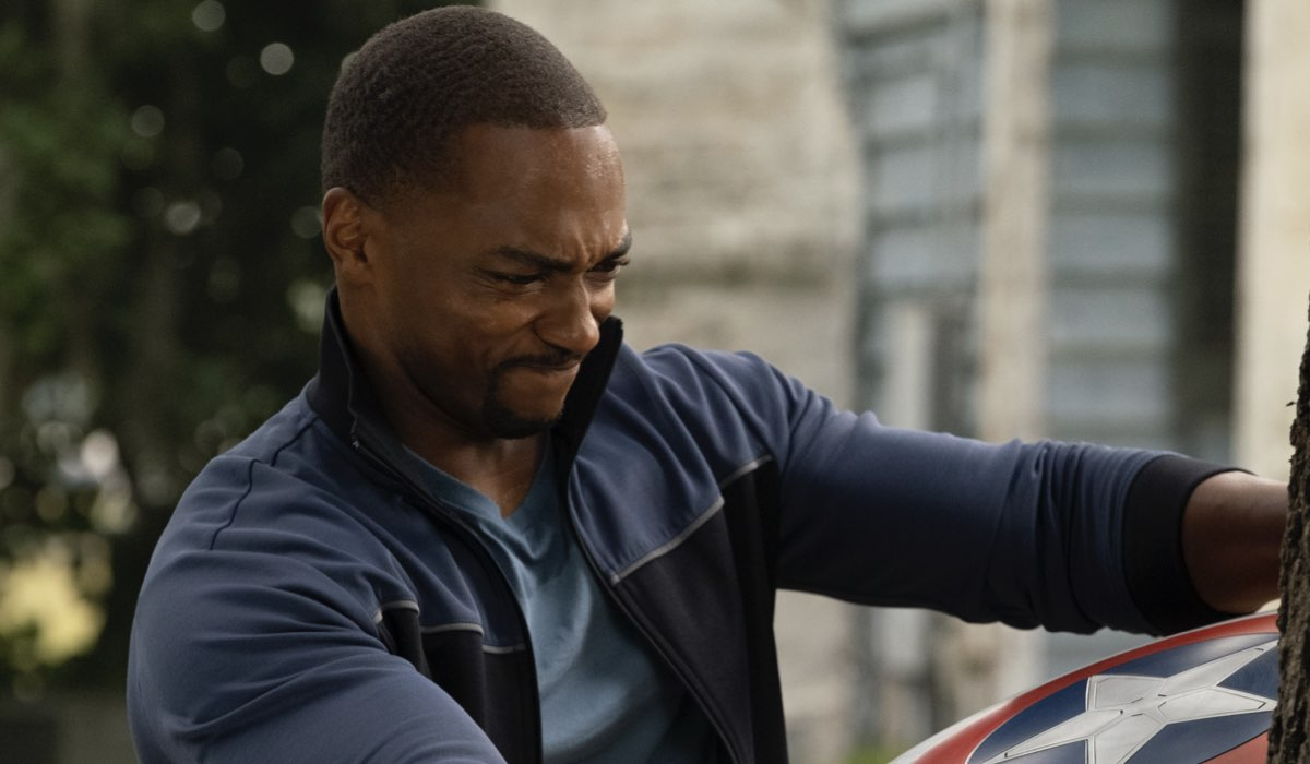 Anthony Mackie (Falocn) in The Falcon And The Winter Soldier. Credits: Disnei Plus