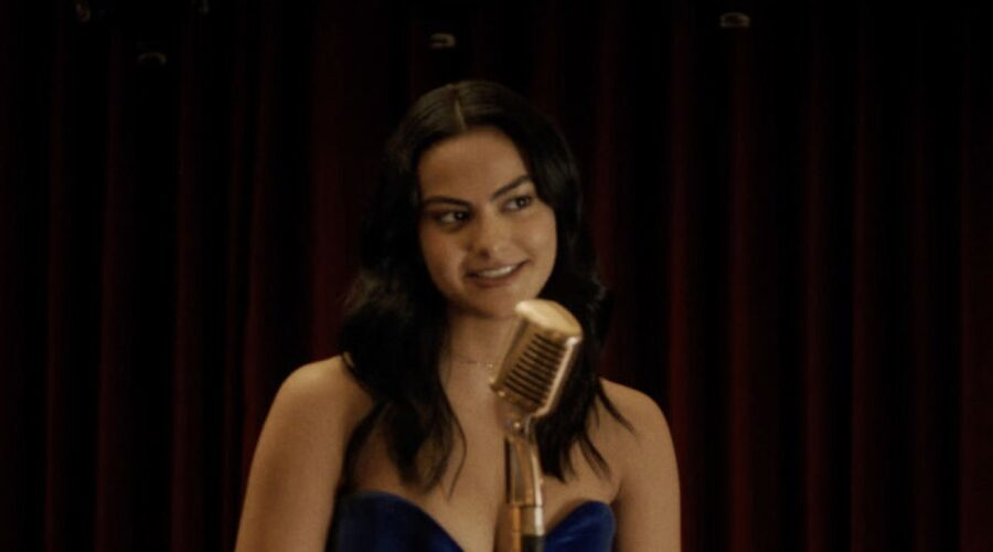 Camila Mendes Interpreta Veronica Lodge In Riverdale 5 Credits: Mediaset