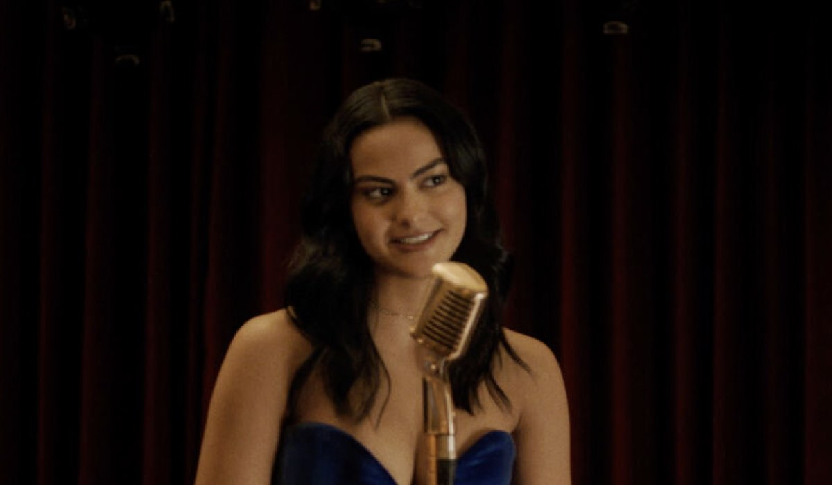Camila Mendes Interpreta Veronica Lodge In Riverdale 5 Credits: Mediaset