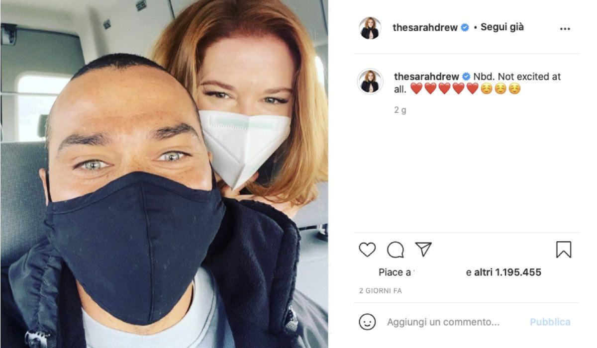 Jesse Williams E Sarah Drew Dietro Le Quinte Di Grey's Anatomy 17. Credits: Instagram Via Profilo Ufficiale @thesarahdrew