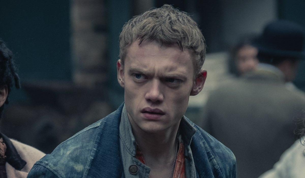 Jojo Macari (Billy) ne Gli Irregolari Di Baker Street Credits: Matt Squire/Netflix
