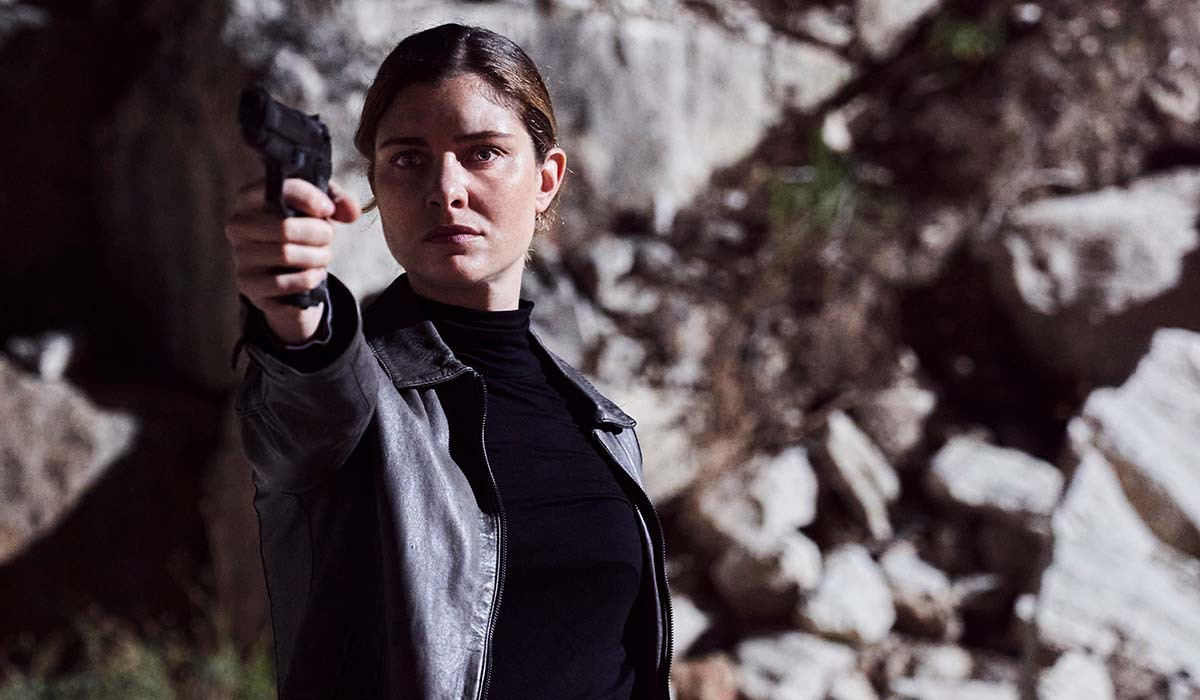 Arianna Comani (interpretata da Vittoria Puccini) nella fiction La Fuggitiva. Credits: Rai.