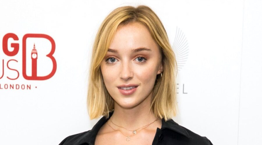 Phoebe Dynevor. Credits: Foto Di Tristan Fewings E Getty Images