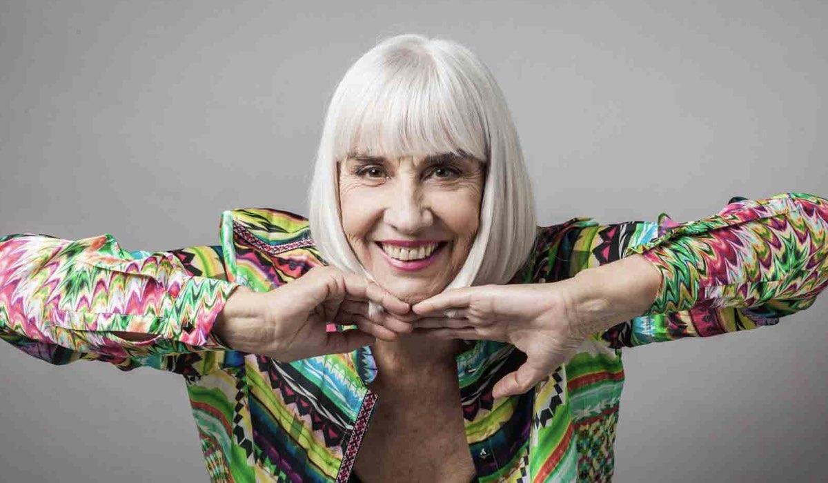 Pia Engleberth Interpreta La Zia Ernesta Ne Il Paradiso Delle Signore 5 Qui In Un Posato Credits Rai