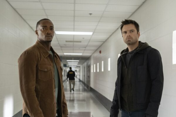 Anthony Mackie e Sebastian Stan sono Sam Wilson e Bucky Barnes in The Falcon And The Winter Soldier. Credits: Disney Plus.