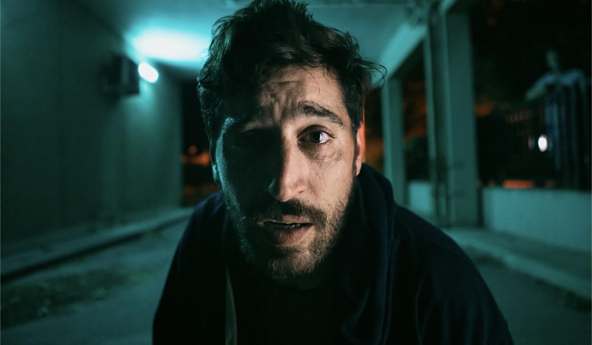 Sebastien Houbani Interpreta Franck Ne Il Leader Credits: Mika Cotellon e Netflix