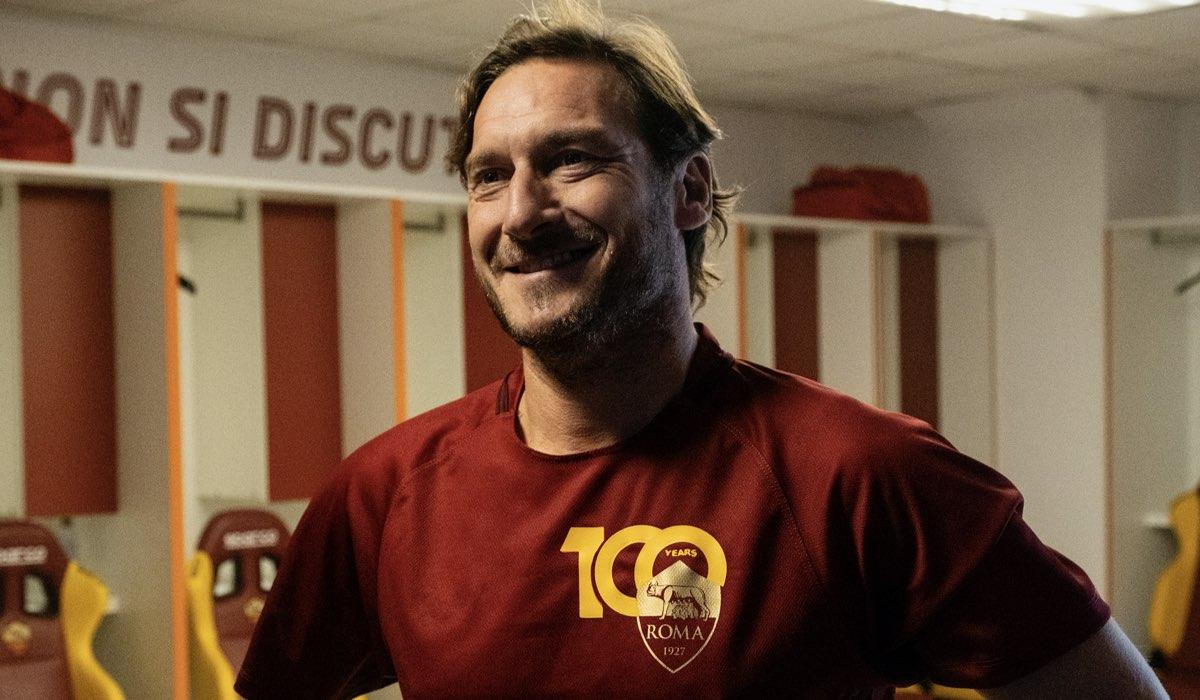 """Il Capitano Francesco Totti nell'ultima puntata di """"Speravo de morì prima"""". Credits: Iacovelli/Zayed via Sky."""