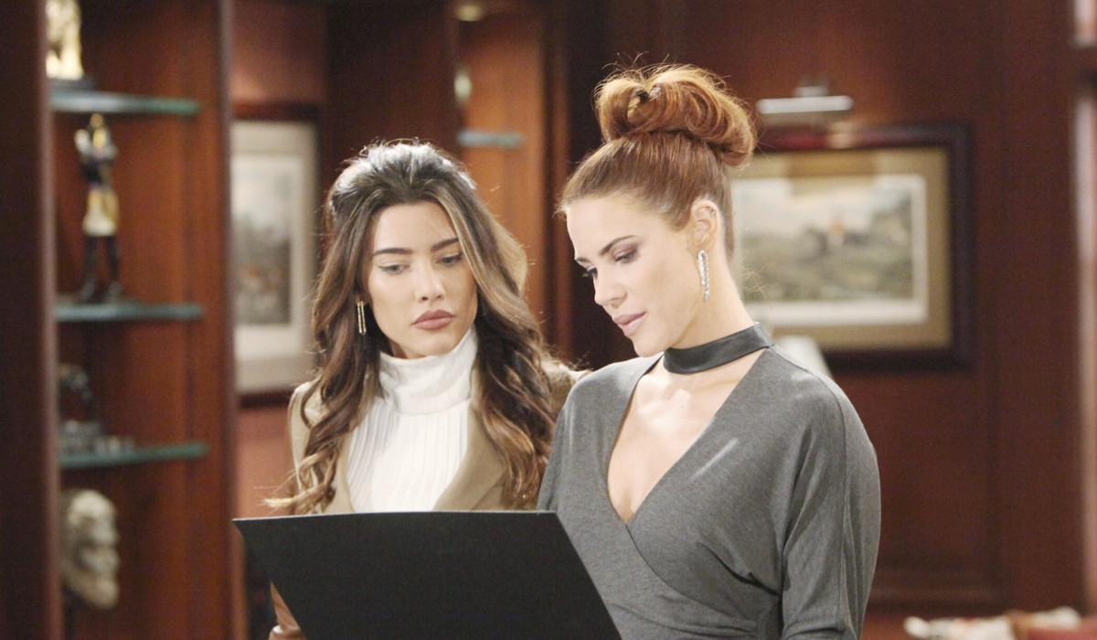 Steffy Forrester e Sally Spectra In Beautiful Credits: BBL Distribution/Mediaset